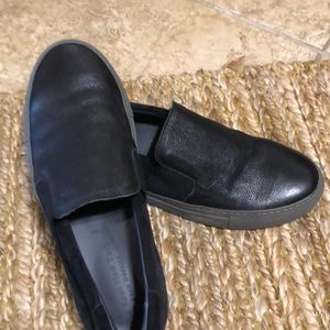 To Boot Men's black leather/suede loafer